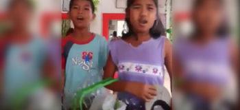 "Kids Selling Banana Cue Use Darren Espanto's ""In Love Na Ako Sa'yo"" as Marketing Strategy"