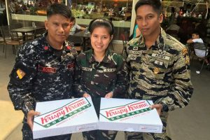 Mystery Man Gives Soldiers Doughnuts
