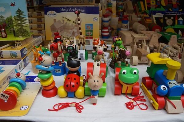 toy-508879_640