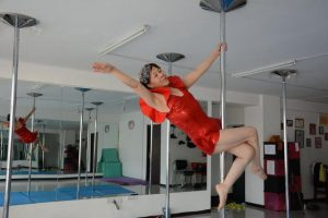 Elderly Woman Shows Off Awesome Pole Dancing Skills