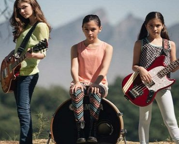 """MUST WATCH: Young Girl Band's Awesome Cover of Metallica's """"Enter Sandman"""""""