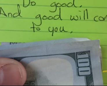 She Didn't Have Enough Money to Buy Ice Cream. What The Cashier Did Will Send You to Tears