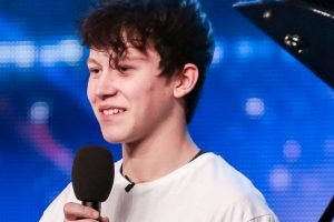 """WATCH: 15-year-old Boy's Stunning Rendition of """"She's Always a Woman"""" on Britain's Got Talent"""