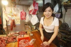 "The ""Pork Princess"": She Quit School to Become a Butcher!"