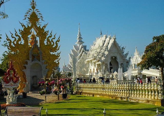 white-temple-237521_640