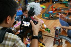 Pinoy Couple Earns $1 Million a Year Making Videos of Toys and Playing with Their Kids!