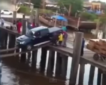 Incredible Driver Loads Pickup Truck on Ship Using Just Wood Planks!