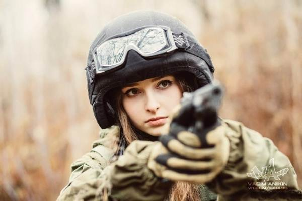 「russian female soldier」の画像検索結果