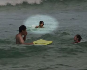 This Drowning Little Girl Was Fortunately Rescued By A Watchful Lifeguard