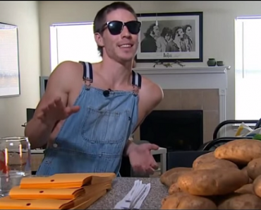This Guy Found a Way to Earn $10K a Month by Mailing Potatoes to People…Weird!