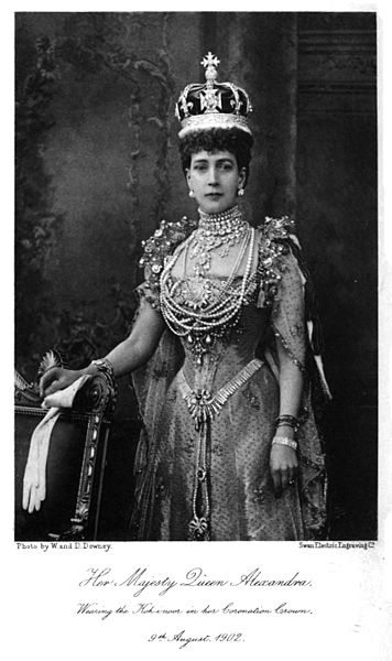 Queen Alexandra wearing the Kohinoor in her coronation crown. 9 August 1902 By Book by Sir Charles Lawson, photo by W. and D. Downey [Public domain], via Wikimedia Commons