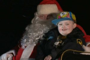 This Canadian Town Celebrated An Early Christmas For A Dying Boy