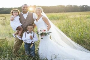 Touching Tribute: Grieving Mommy Includes Dead Son in Wedding Photo