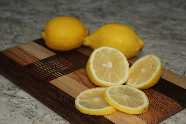lemons-991076_640