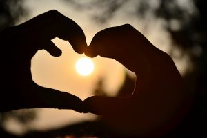 Brain Takes Less Than A Second to Fall in Love, Study Reveals
