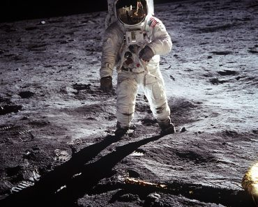 Man Claims Moon Landings Were A Hoax Staged by the CIA