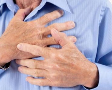 """Beware Of These 7 Signs of """"Silent"""" Heart Attack"""
