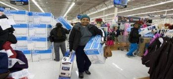 Anonymous Good Samaritan Pays Off a Hundred Lawaway Items at Walmart
