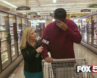 Heartwarming Video Shows FOX5 Paying For This Veteran's Groceries