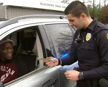 Secret Santa Gave Cops $6,000… And They Shared it With Passing Motorists!