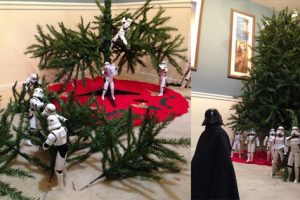 Just Gone Viral: Photos of Stormtroopers Putting Up A Christmas Tree