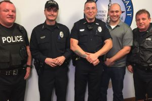 Tennessee Police Officers Surprise Hungry Elderly Man with Free Groceries