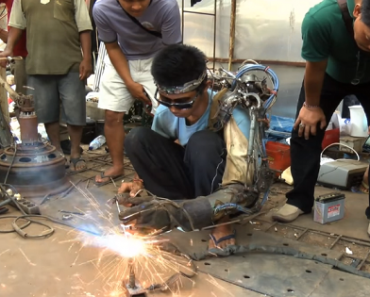 Welder Claims to Have Made a Functional Bionic Arm Out of Junk