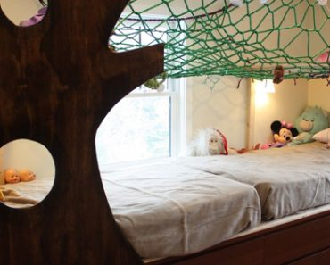Cool Dad Transforms His Kids' Bedroom Into An Indoor Treehouse