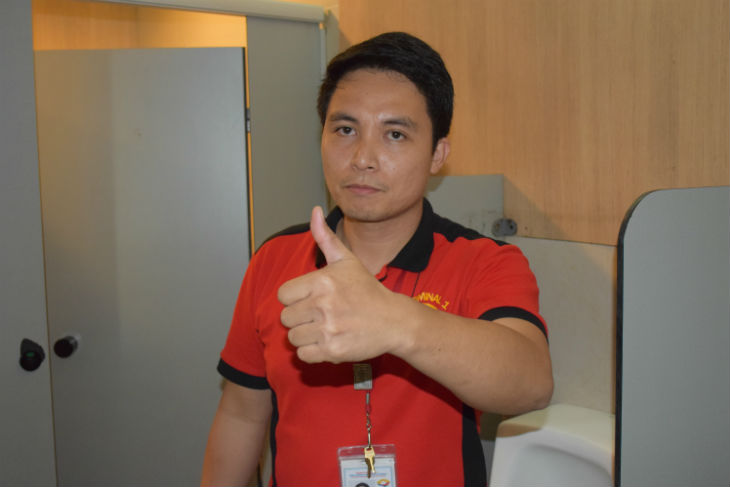 31-year-old janitor Bobby Duarte Photo credit: Raoul Esperas/ABS-CBN News