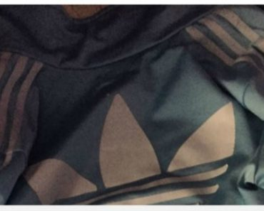 Netizens Debate Over the True Color of This Jacket