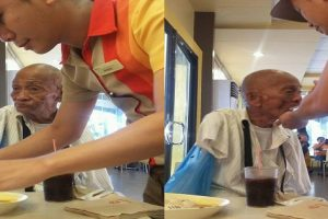 Jollibee Service Crew Lauded for Helping Handicapped Man Eat