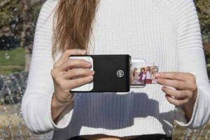 This Smartphone Case Allows You To Print Photos Instantly