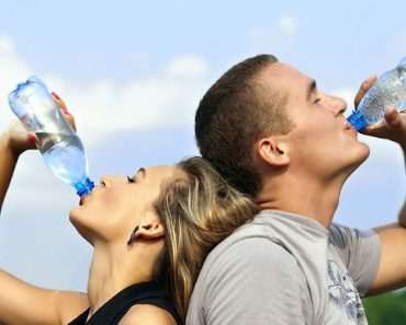 The Health Benefits of Drinking Water Before and After Meal