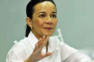 VIRAL VIDEO: Lawyer Blasts Sen. Grace Poe's Victory in Supreme Court