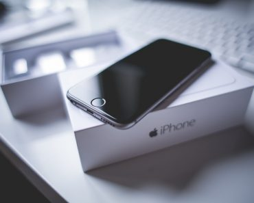 Man Sells Newborn Daughter in Order to Buy iPhone