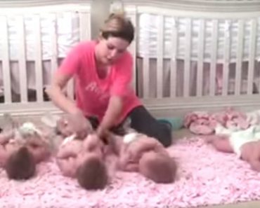 This Video Shows Super Mom Changing Quadruplet's Diapers