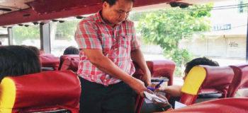 Dad Selling Ballpens for Kids' Education Goes Viral
