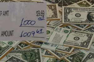 Waitress Receives $1k Tip from Customer Who Overheard Her Saying She's Saving Up for College