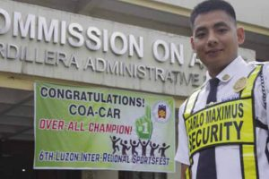 This Baguio Security Guard Is Now A Lawyer