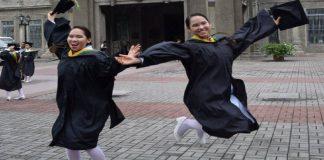 twins graduate cum laude