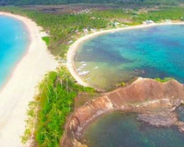 """Nacpan Beach in Palawan is the """"World's Most Beautiful Beach"""", Says Travel Vlogger"""