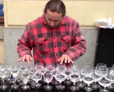 Prague Street Musician Plays Awesome Music Using Glasses Of Water