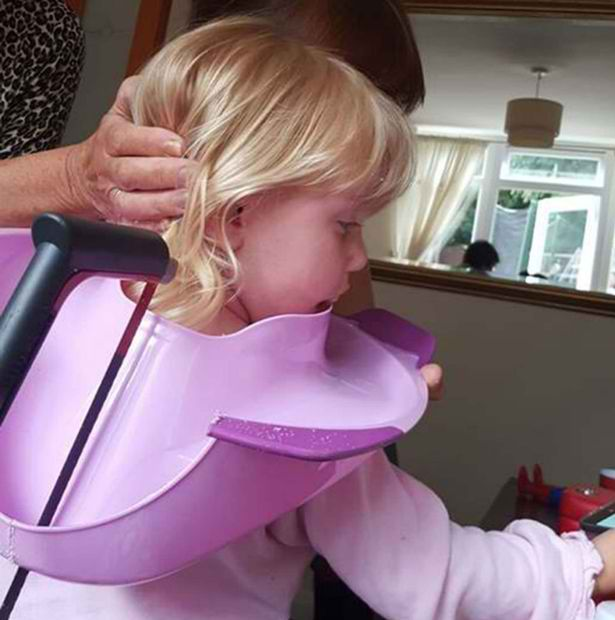 toddler head stuck on toilet training seat 2