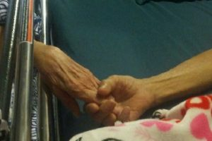 Old Couple Dies in Their Sleep, While Holding Hands
