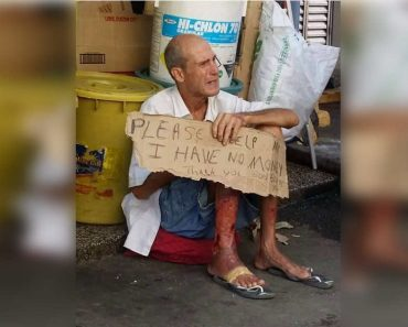 Sick Foreigner Seen Begging for Money in Southern Philippines