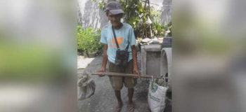 Story of Old Man Selling Vegetables Touches Hearts of Netizens