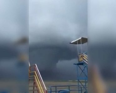 Huge 'Tornado' Forms in Tacloban City, Scares Residents