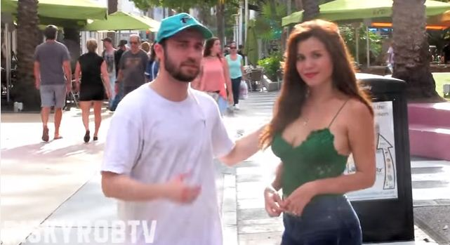 hot girl vs homeless man social experiment 3