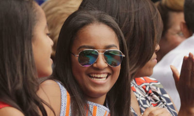 Obama Daughter Works as Waitress in Seafood Restaurant