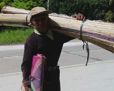 This 83-Year-Old Grandpa Walks 50km a Day to Sell Native Mats in Davao